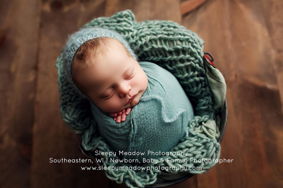 Brayden 4 weeks old waukesha wi newborn photography